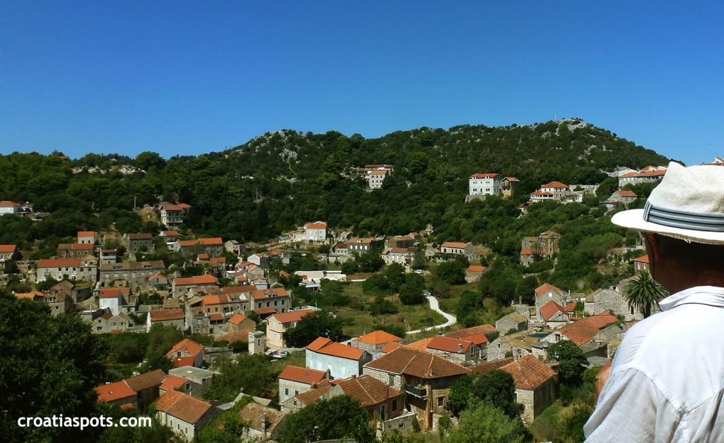 Walking above Lastovo village